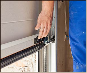 Garage Door Mobile Service Pewaukee, WI 262-423-6035